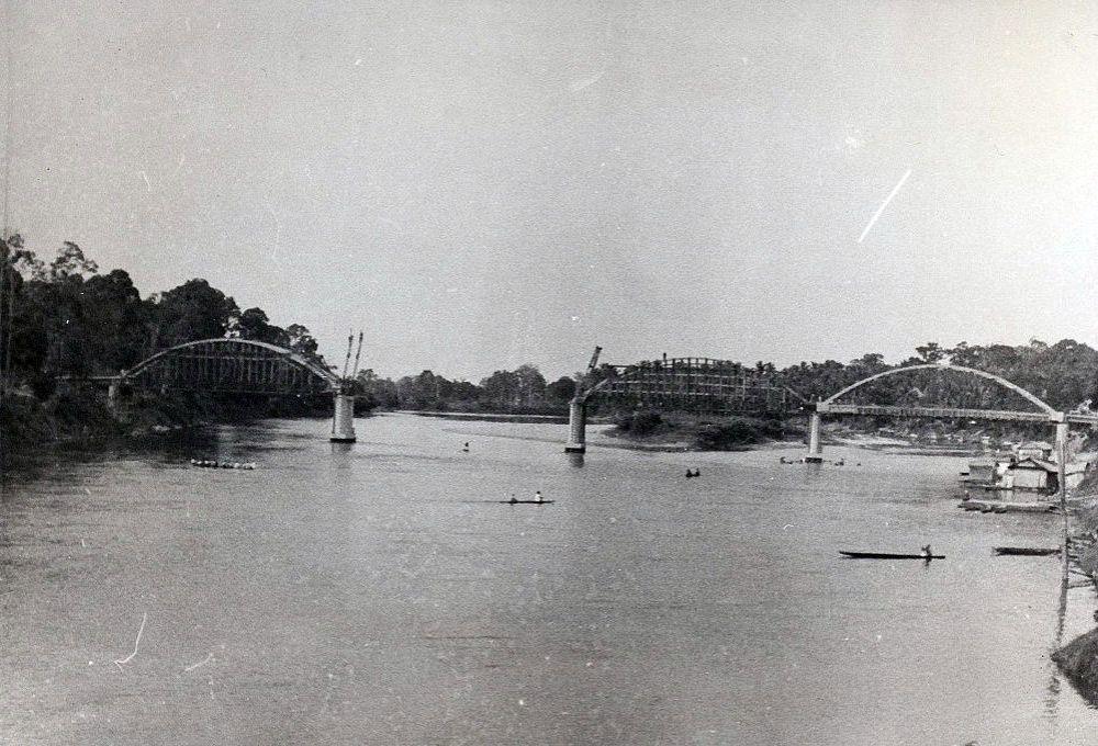 De brug in aanbouw, Sarolangoen 1938