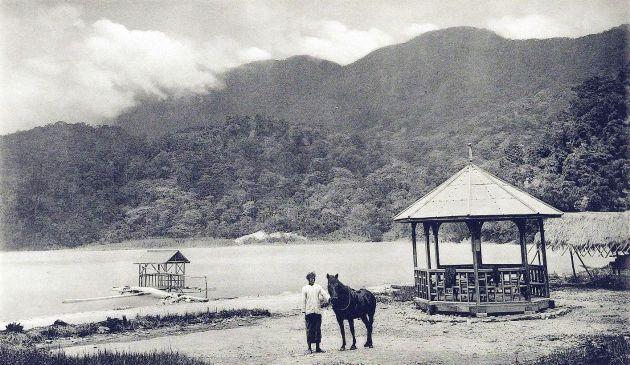 Telagabodas, met gids en bergpaardje (TM)