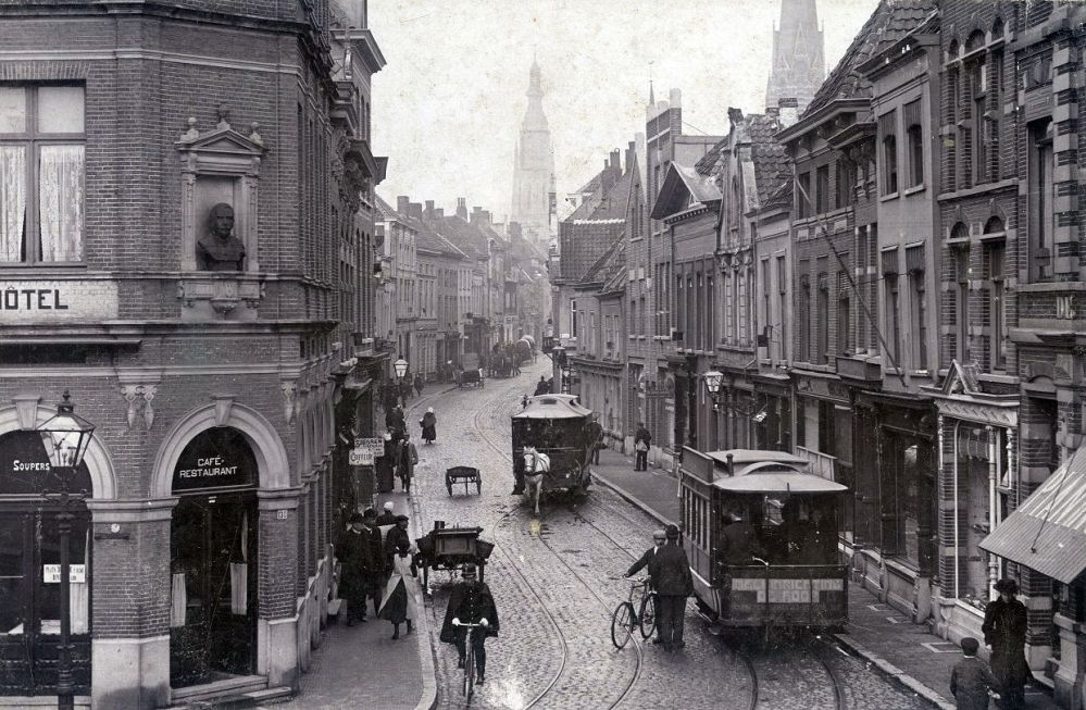 De zelfde straathoek, begin 20e eeuw